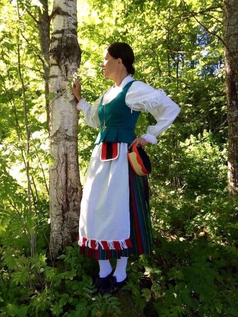 Keski-Karjalan kansallispuku Sortavalan kansallispuku