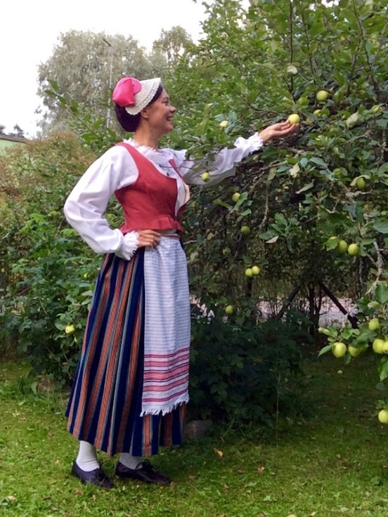 Keuruun kansallispuku Keuruu folkdräkt Keuruu national costume