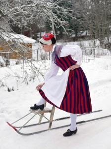 Ruotsinpyhtään kansallispuku Strömfors folkdräkt