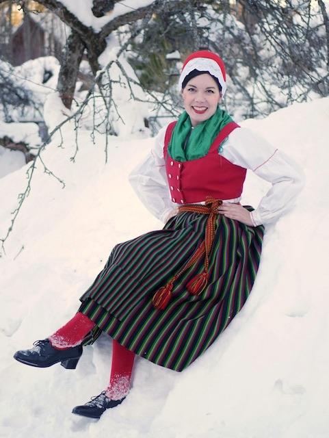 Mustasaaren / Korsholmin kansallispuku