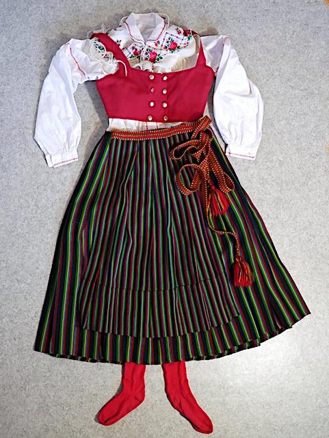 Mustasaaren kansallispuku Korsholm folkdräkt
