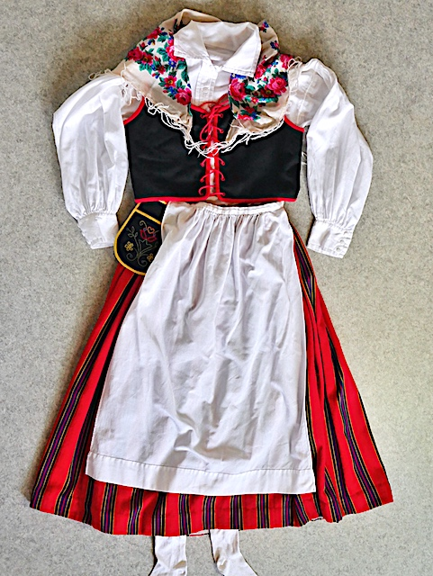 Lohjan kansallispuku Lojo folkdrakt