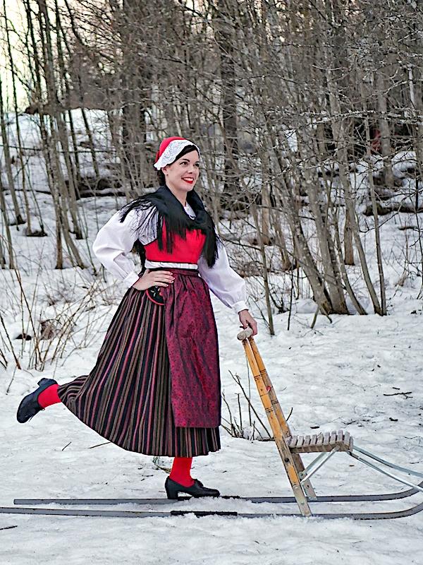 Luodon kansallispuku Larsmo folkdräkt