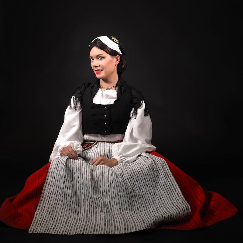 Jaalan kansallispuku Jaala folkdräkt Jaala national costume