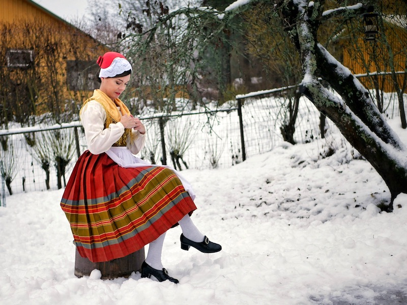 Ahvenanmaan kansallispuku Åland folkdräkt Aland national costume